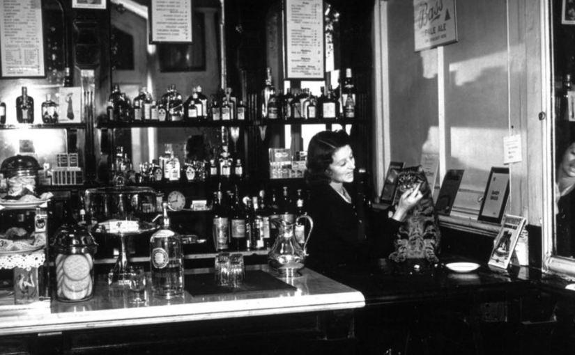 Cuando los pubs estaban dentro de las estaciones deLondres